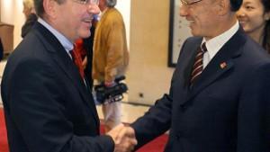 Bach wehrt sich: Es geht nicht um China