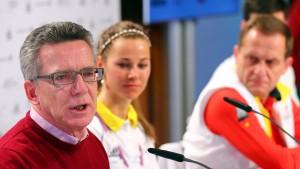 De Maizière kritisiert Strafe für Olympiakritiker