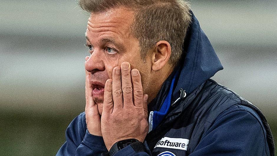 """Leiden bei den """"Lilien"""": Trainer Markus Anfang nach der Niederlage in Düsseldorf"""