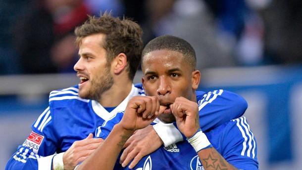 Schalke mit Geduld auf Platz zwei