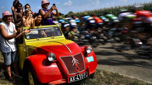 Warum die Tour de France weiter auf Zeit spielt