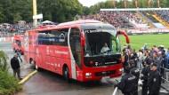 Mannschaftsbus der Bayern in Unfall verwickelt
