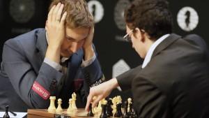 Karjakin fordert Weltmeister Carlsen heraus