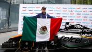 """Todos unidos, alles für Mexiko: Force-India-Pilot Sergio """"Checo"""" Perez begeistert seine Landsleute."""