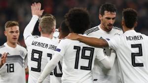 DFB-Team startet am Standort des neuen Sponsors