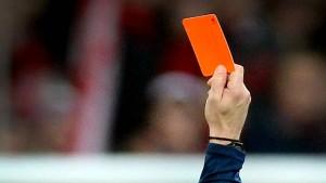 Spielabbruch nach Attacke gegen Linienrichter