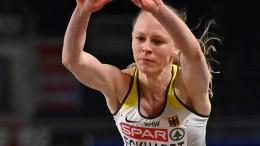 """Fassungslose"" Neele Eckhardt springt zu Bronze"