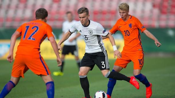 WM-Teilnahme nach Elfmeterkrimi für U 19