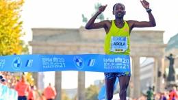 Adola gewinnt Berlin-Marathon