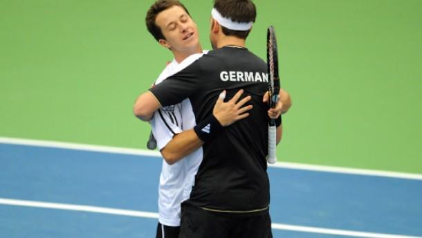 Deutschland führt gegen Österreich