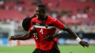 Große Freude: Sheldon Bateau bejubelt seinen Treffer für Trinidad und Tobago