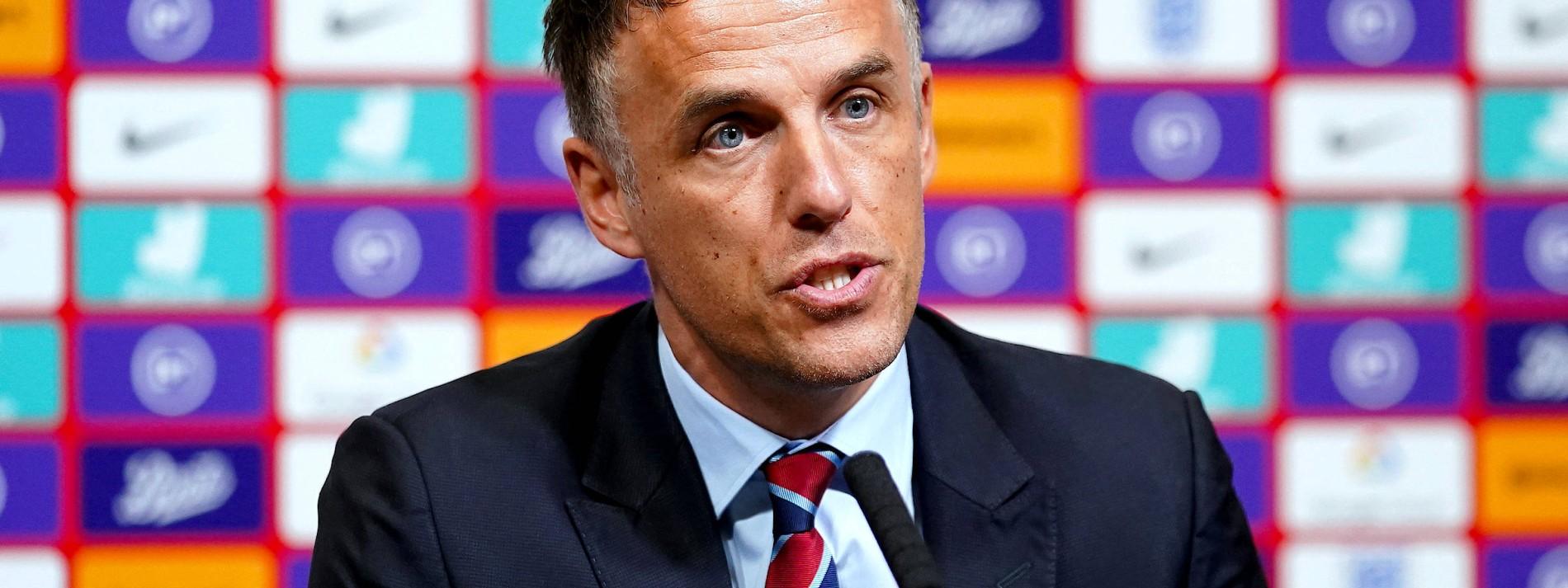 Neville verlässt Englands Frauen für Beckham