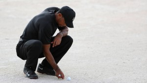 Tiger Woods ärgert sich über dumme Fehler