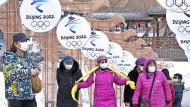 Debatte um Boykott der Olympischen Spiele 2022 in China: Spiel mit dem Feuer