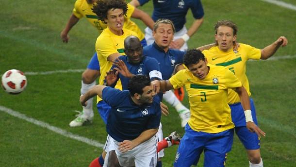 Siege für Argentinien und Frankreich