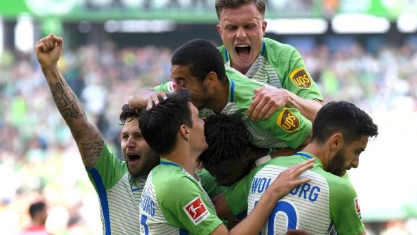 Wolfsburg rettet sich in die Relegation