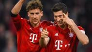 Die Bayern Goretzka (links) und Lewandowski jubeln, spucken aber keine großen Töne.