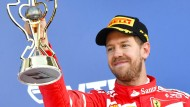 Sebastian Vettel flucht, schimpft – und freut sich doch noch.
