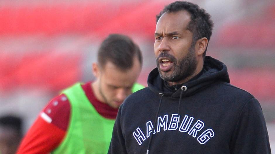 Unglücklich mit dem Auftritt seines HSV: Trainer Daniel Thioune