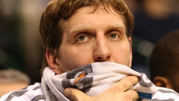 Enttäuschung pur: Dirk Nowitzki spielt wieder, aber Dallas gewinnt nicht