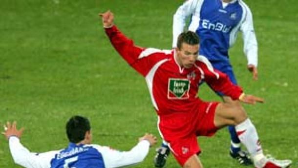 Köln verpaßt Tabellenführung - Nur 2:2 gegen KSC