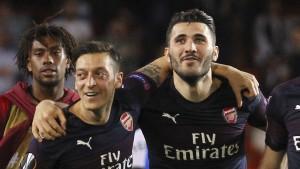 Özil und Kolasinac offenbar wegen Sicherheitsbedenken nicht im Kader