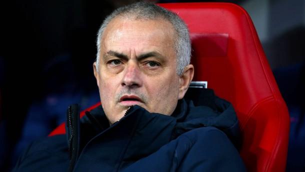 Star-Trainer Mourinho entschuldigt sich