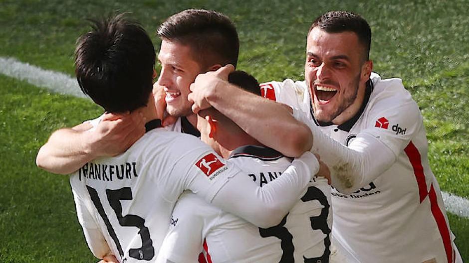 Gemeinsam in die Champions League? Eintracht Frankfurt siegt in Dortmund.