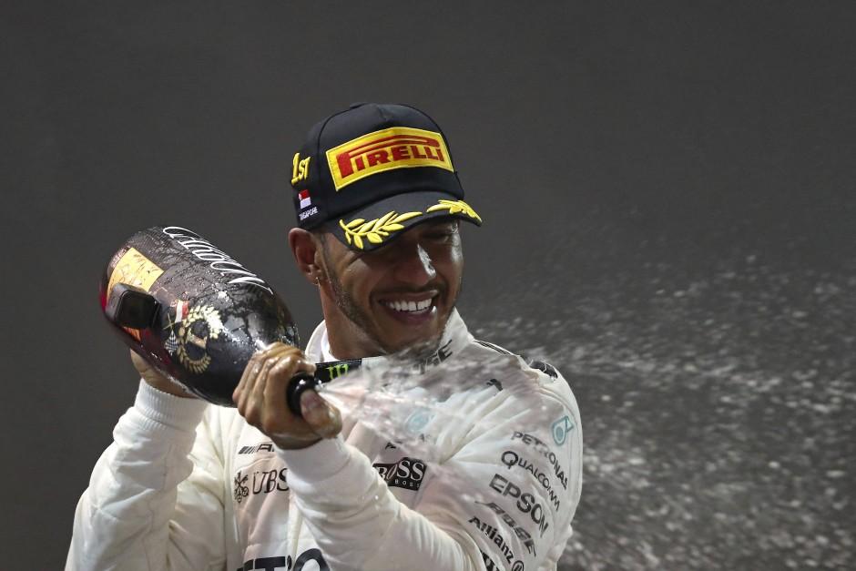 Lewis Hamilton hatte in der Nacht von Singapur viel Spaß.