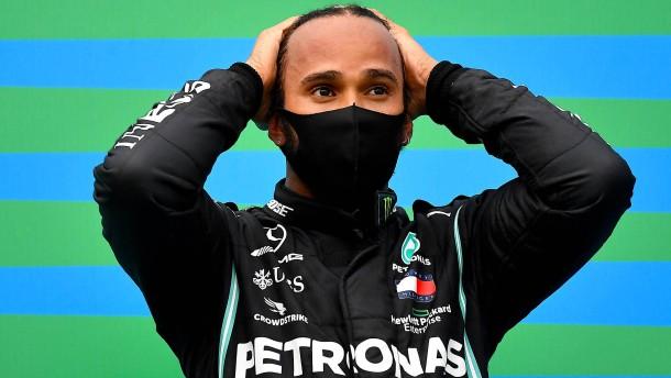 Hamilton schwebt davon
