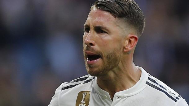 Blamage für Real – Tumulte mit Podolski