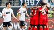 Enttäuschung nach dem Pokal-Hype: Die Eintracht mit Makoto Hasebe (links) verliert gegen Hertha