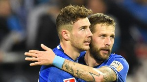 Schalke krallt sich oben fest