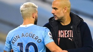Agüero fasst Assistentin an, Guardiola verteidigt ihn