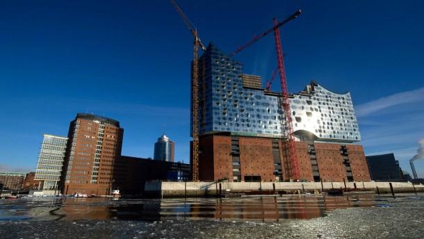 Weiterhin im Bau: die Elbphilharmonie in Hamburg
