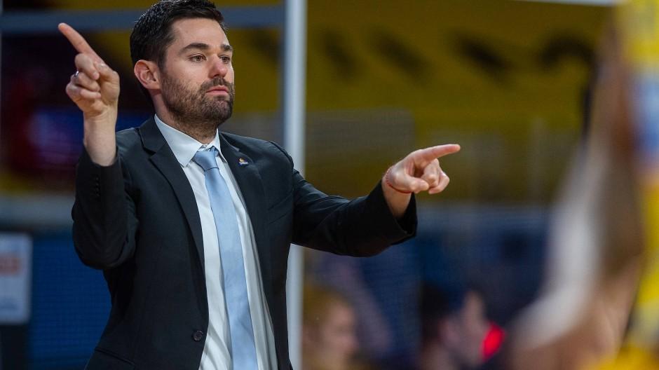 Welche Richtung ist die Bessere? Frankfurts Cheftrainer Sebastian Gleim.
