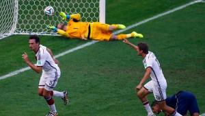 Deutschland rotiert ins Halbfinale gegen Brasilien