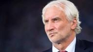 Rudi Völler scheint bei Bayer Leverkusen sakrosankt zu sein.