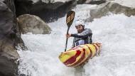 Unterwegs im wilden Wasser: Die Kanuten im Ötztal gehen ins Risiko.