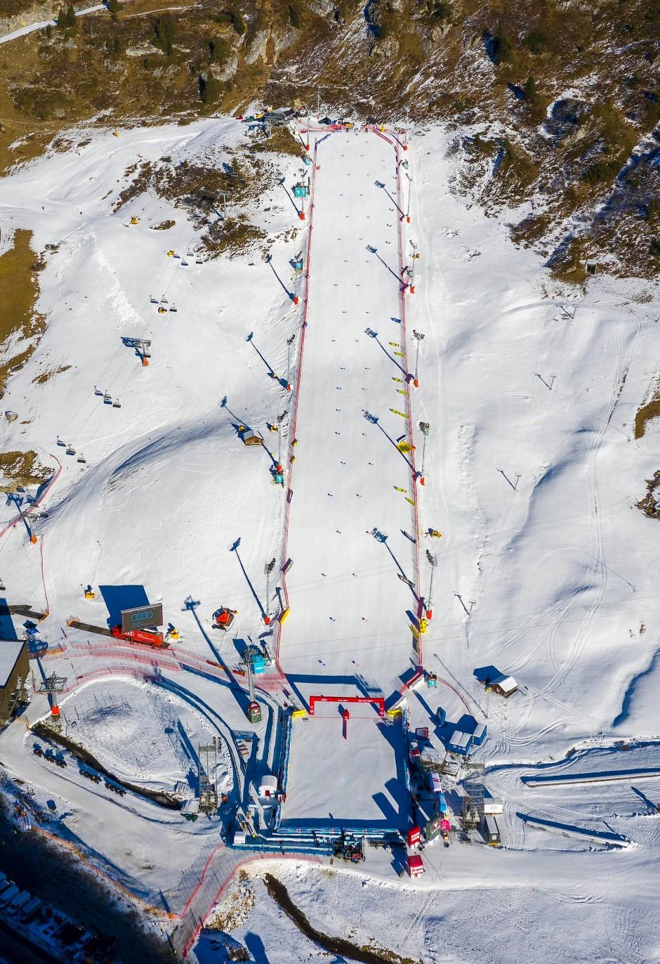 Parallel bergab: der Rennhang in Lech am Arlberg.