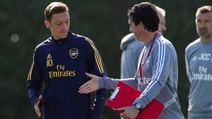 Arsenal reist ohne Mesut Özil zur Eintracht