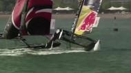 Katamarane krachen bei Regatta zusammen