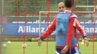 Bayern bereiten sich auf 'Spitzenspiel' gegen Paderborn vor