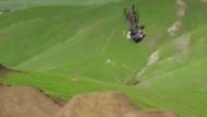Mountainbiker begeistert mit spektakulärer Abfahrt