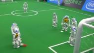 Roboter kicken um WM-Titel