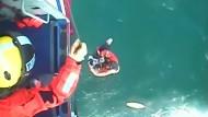 Surfer nach über 30 Stunden in Seenot gerettet
