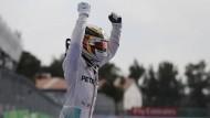Jubelnder Sieger: Lewis Hamilton gewinnt in Mexiko