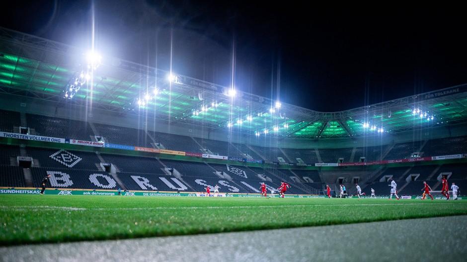 Zum Weiterspielen verdammt: Die Bundesliga braucht die Fortsetzung zum Selbsterhalt.