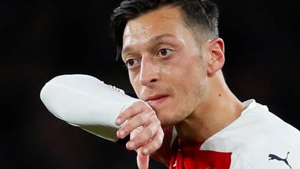 Warum Özil es bei Arsenal schwer hat