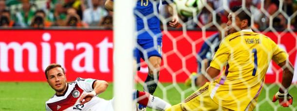 Der Schuss ins Glück: Mario Götze erzielt den Siegtreffer